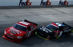 Mike Wallace Kasey Kahne Incident NNS Dover 060113.jpg